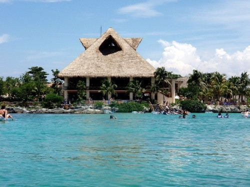 The top attractions at Cancun's theme parks highlighted by Krystal International Vacation Club for winter vacationers.